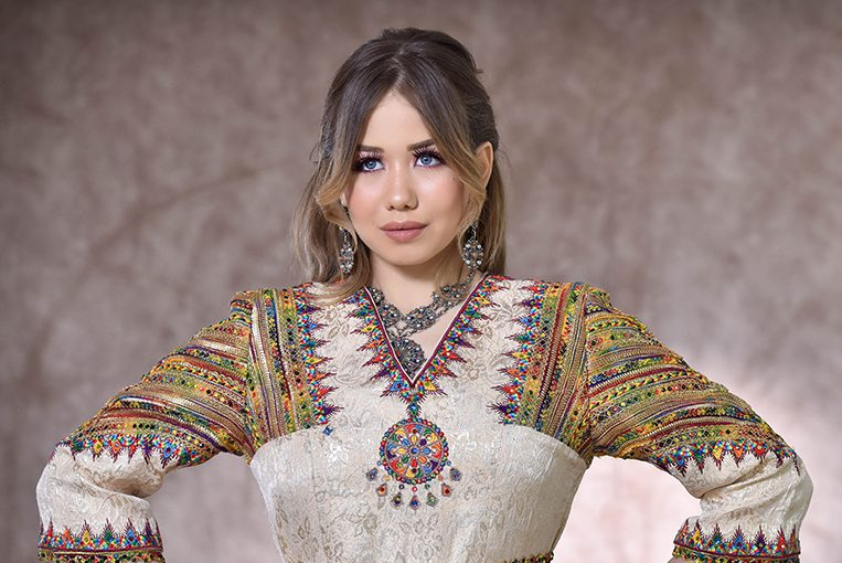 Comment bien porter  une robe Kabyle ?